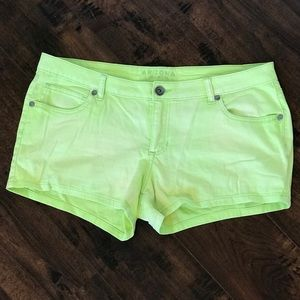 Arizona Green Size 17 Shorts!!💚
